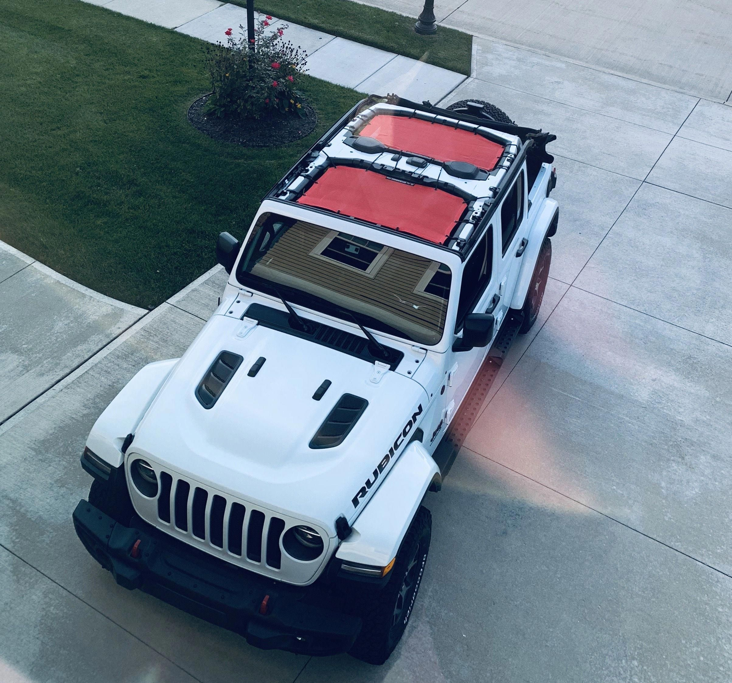 Jeep Wrangler Jlu Rubicon Bright White With Alien Sunshade Mesh Top In Cherry Red In 2020 Jeep Wrangler Accessories Jeep Wrangler White Jeep Wrangler