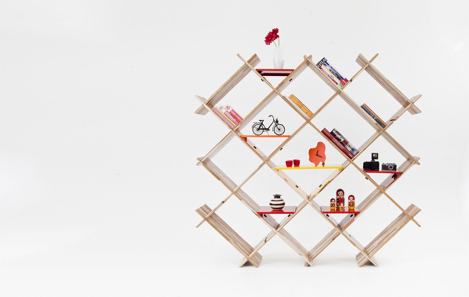 Estante Cruzada - Sala - Móveis e objetos de design assinado - Entrega em todo o Brasil