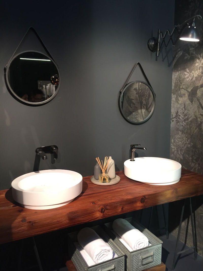 plan de travail salle de bain en bois 2 vasques poser rondes et miroirs vintage assortis