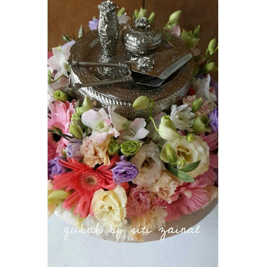 Malay Wedding Gifts: Malay Wedding Gift Or Hantaran. Tepak Sireh Is Usually