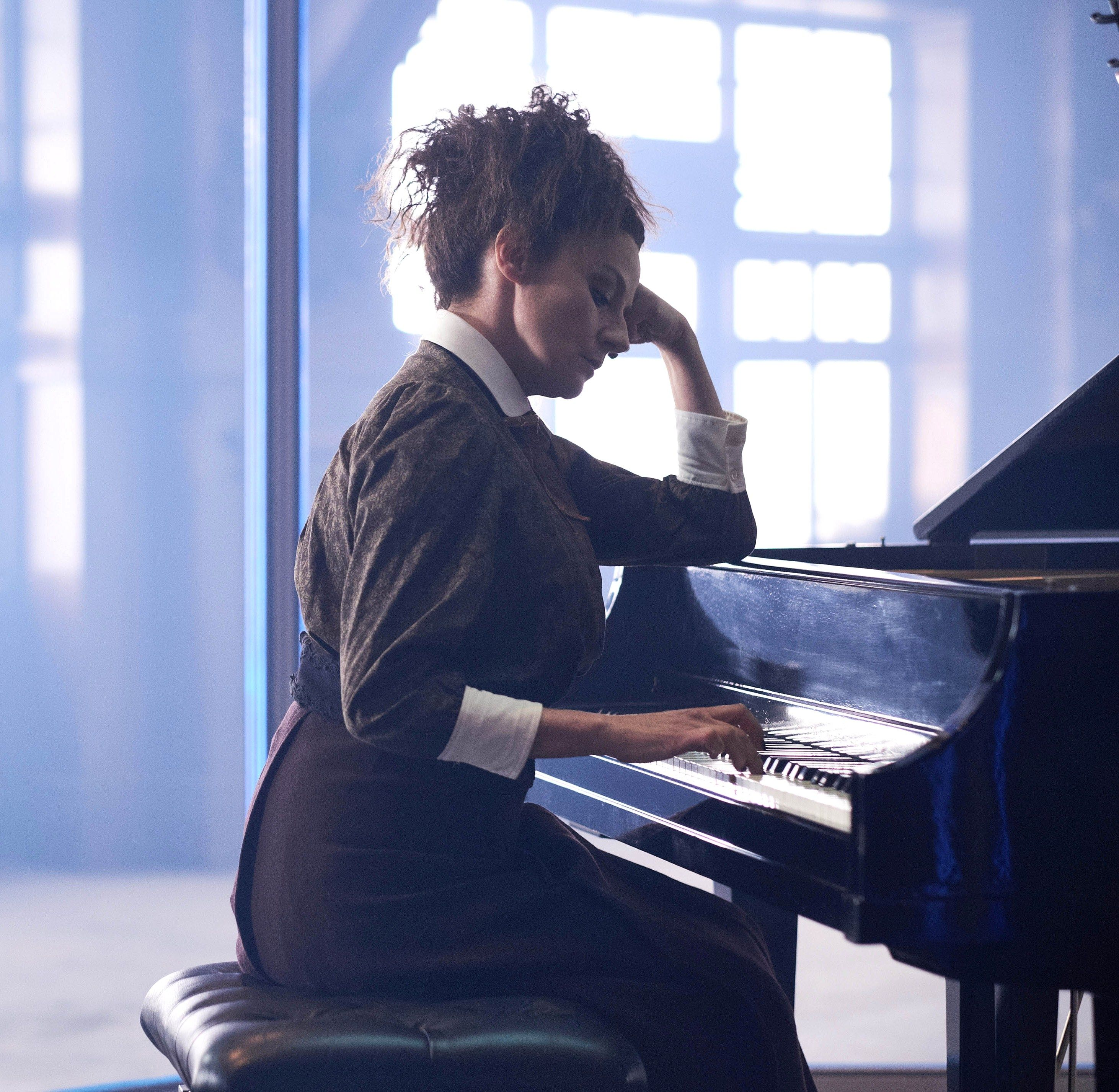 Missy piano playing. Ep. 8