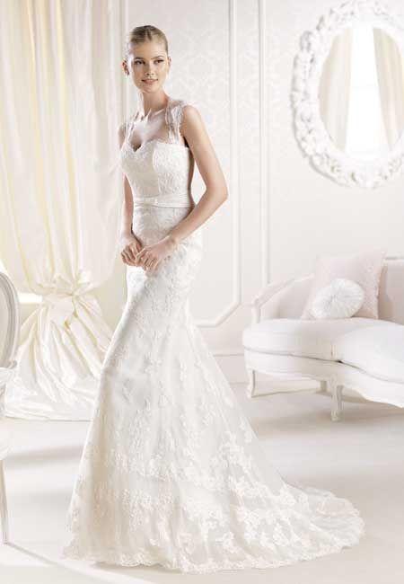 Brautkleider - Romantisch   Neuböck Moden