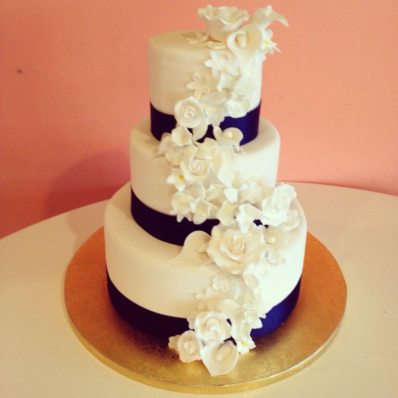 Navy and white wedding cake by 2tarts Bakery. New Braunfels, TX www ...