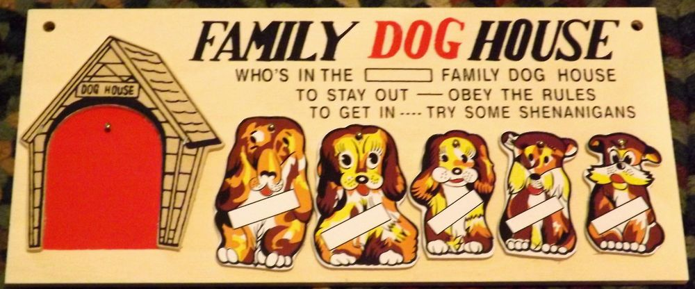 They Re Back Nib Vintage Style Family Dog House Wall Plaques