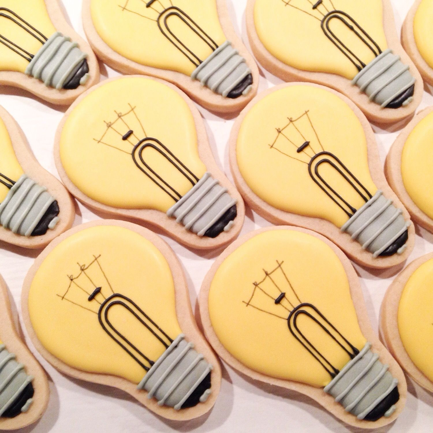 Lightbulb Cookies Www Thesweetesttiers Com Decorated Cookies In