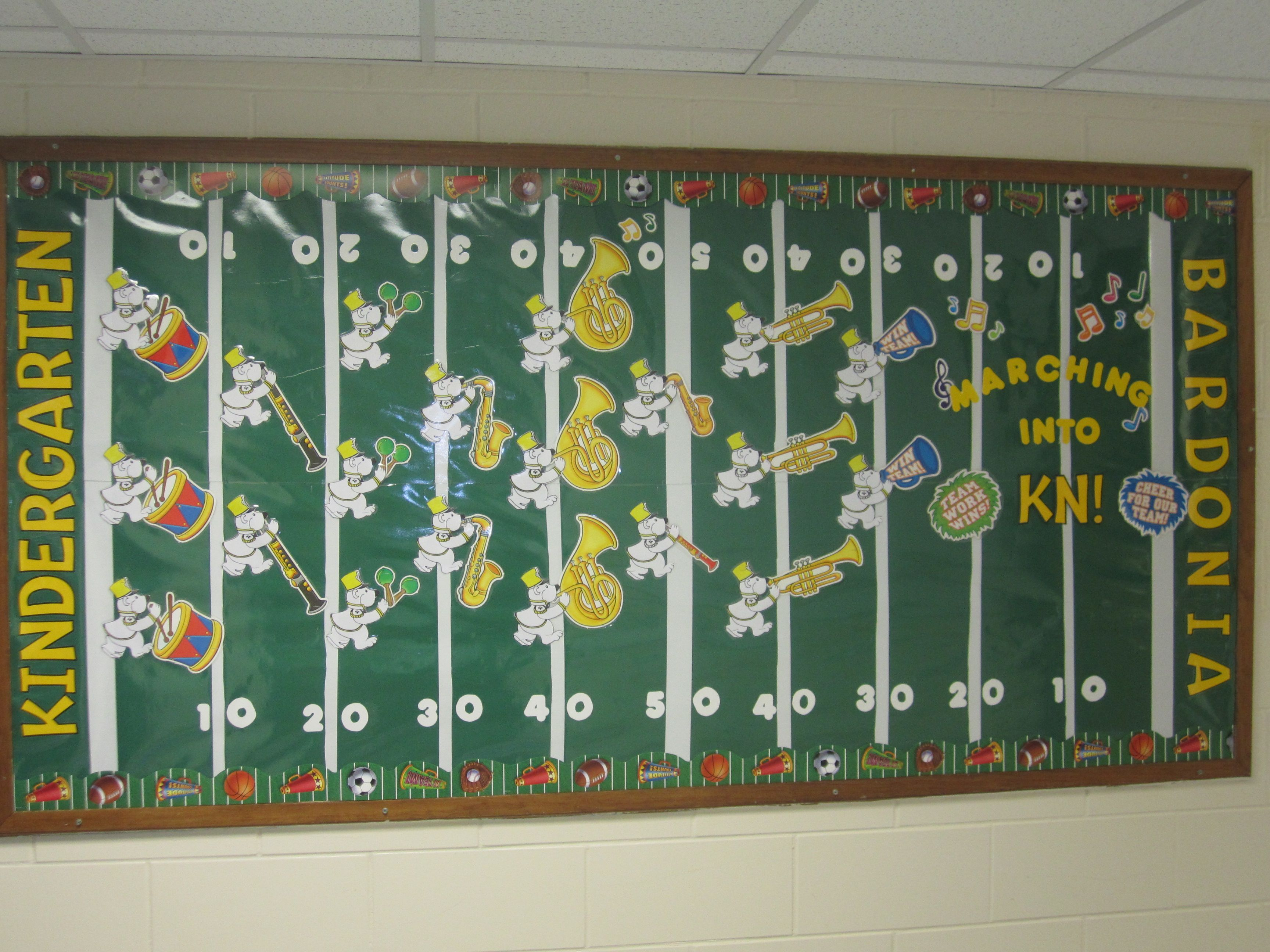 Looking for a sports themed bulletin board check out how for Theme board ideas