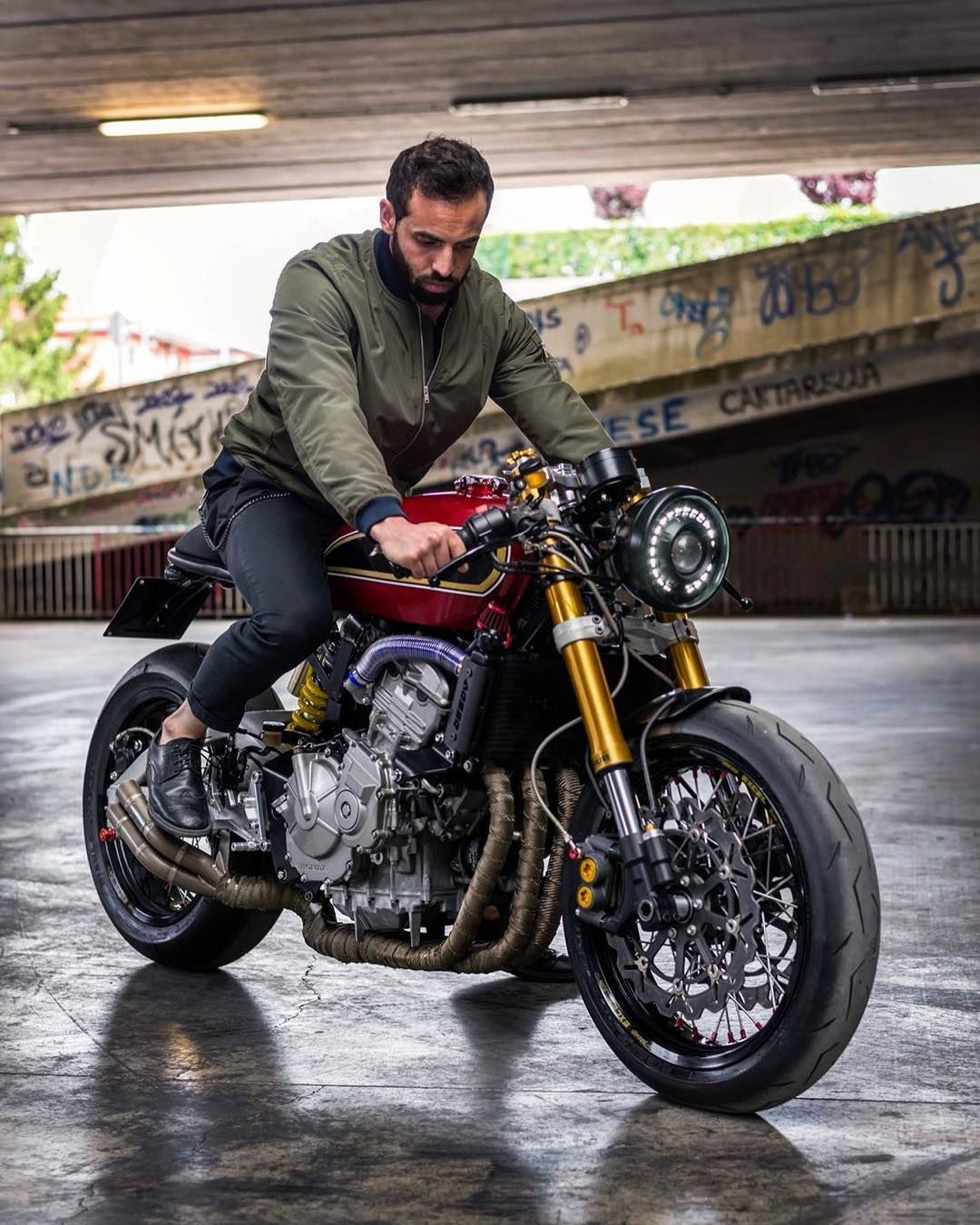 It S Time Of Caferacer Riding Honda Hornet Special