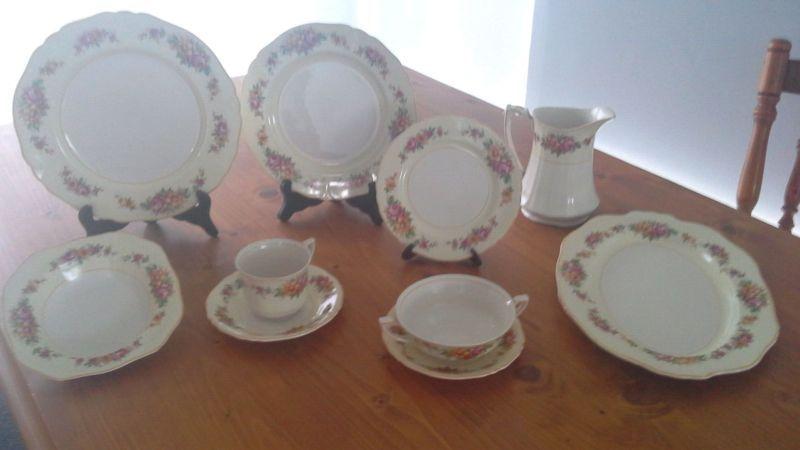 Albert Meakin Dinner Set ( Made in England )   Antiques   Gumtree Australia Outer Geelong - Ocean Grove   1095621484