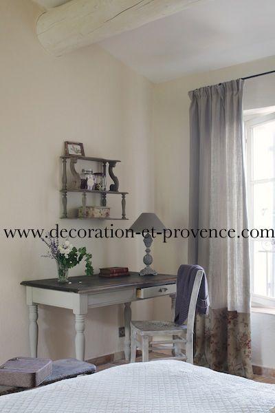 Décoration d\u0027intérieur Chambre blanche dans une bastide en Provence