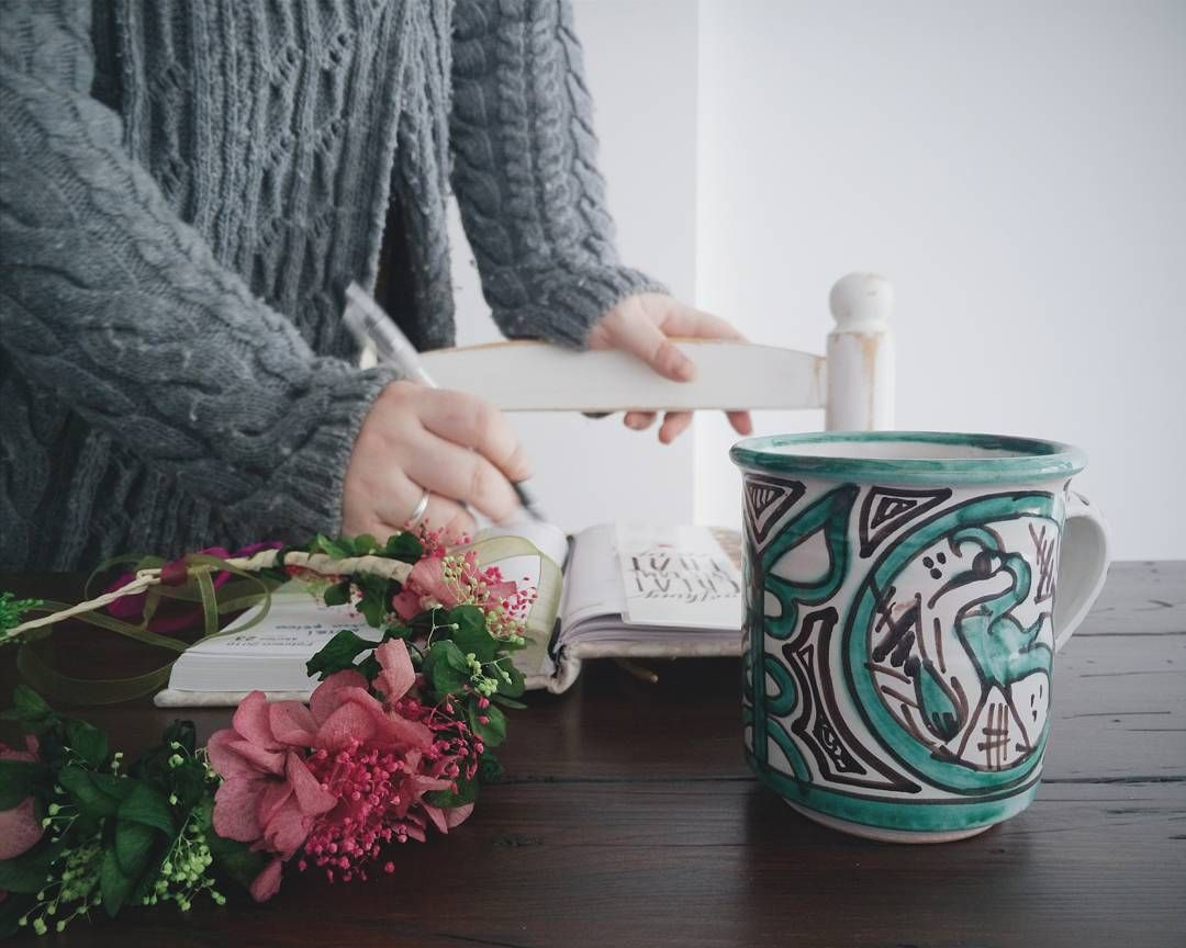 """""""Eng/ After a remarkable Sunday in Teruel with friends, where I got my 2nd Flower Crown and a ceramic handpainted mug, comes the time to get back to work.…"""""""