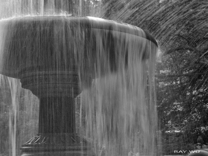 NY city hall fountain by Ray Wu.