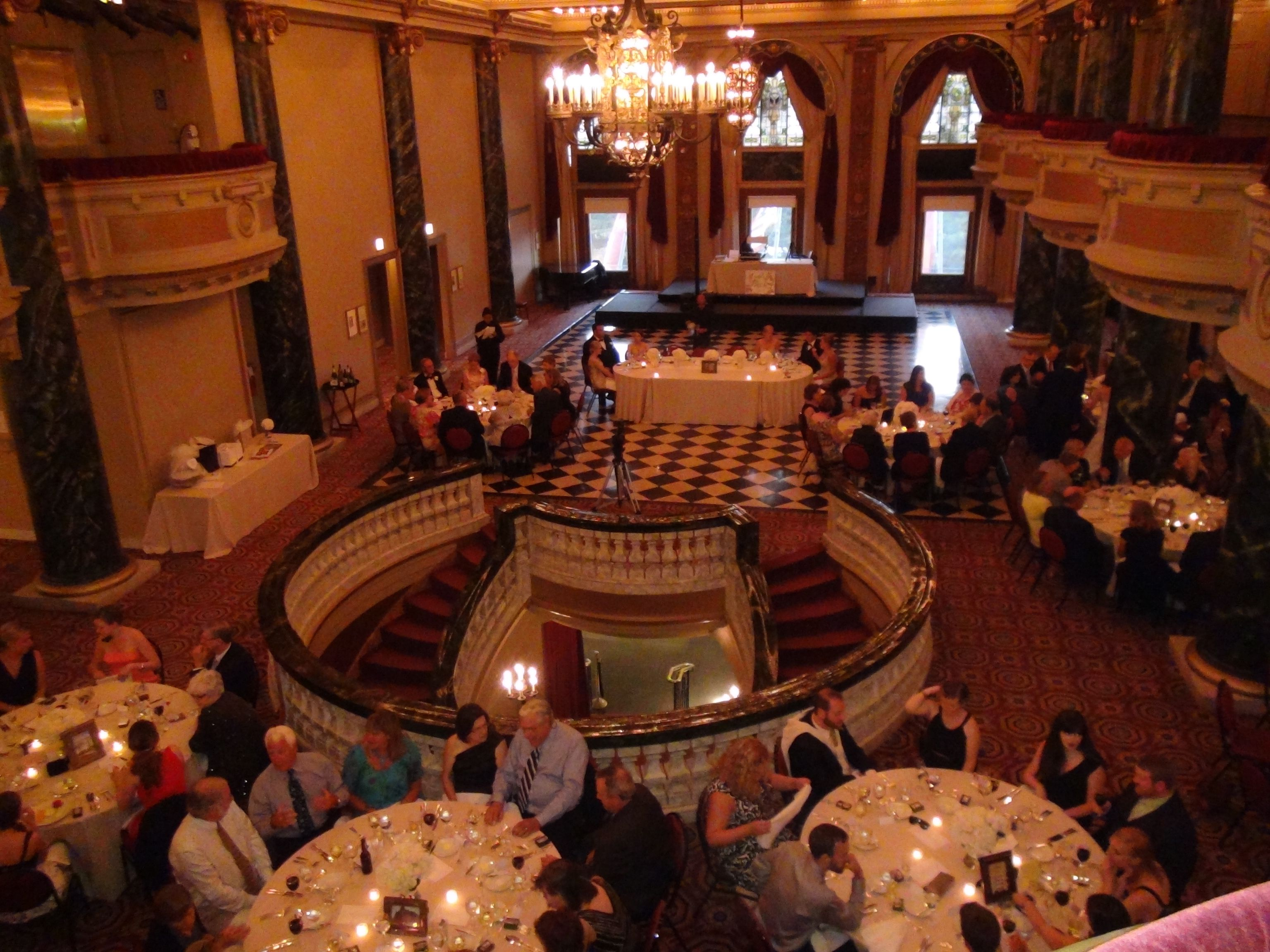 The ballroom at the School of the Art Institute radiates classic 1920's elegance. Add a Chicago Wedding DJ with some classic Big Band music.