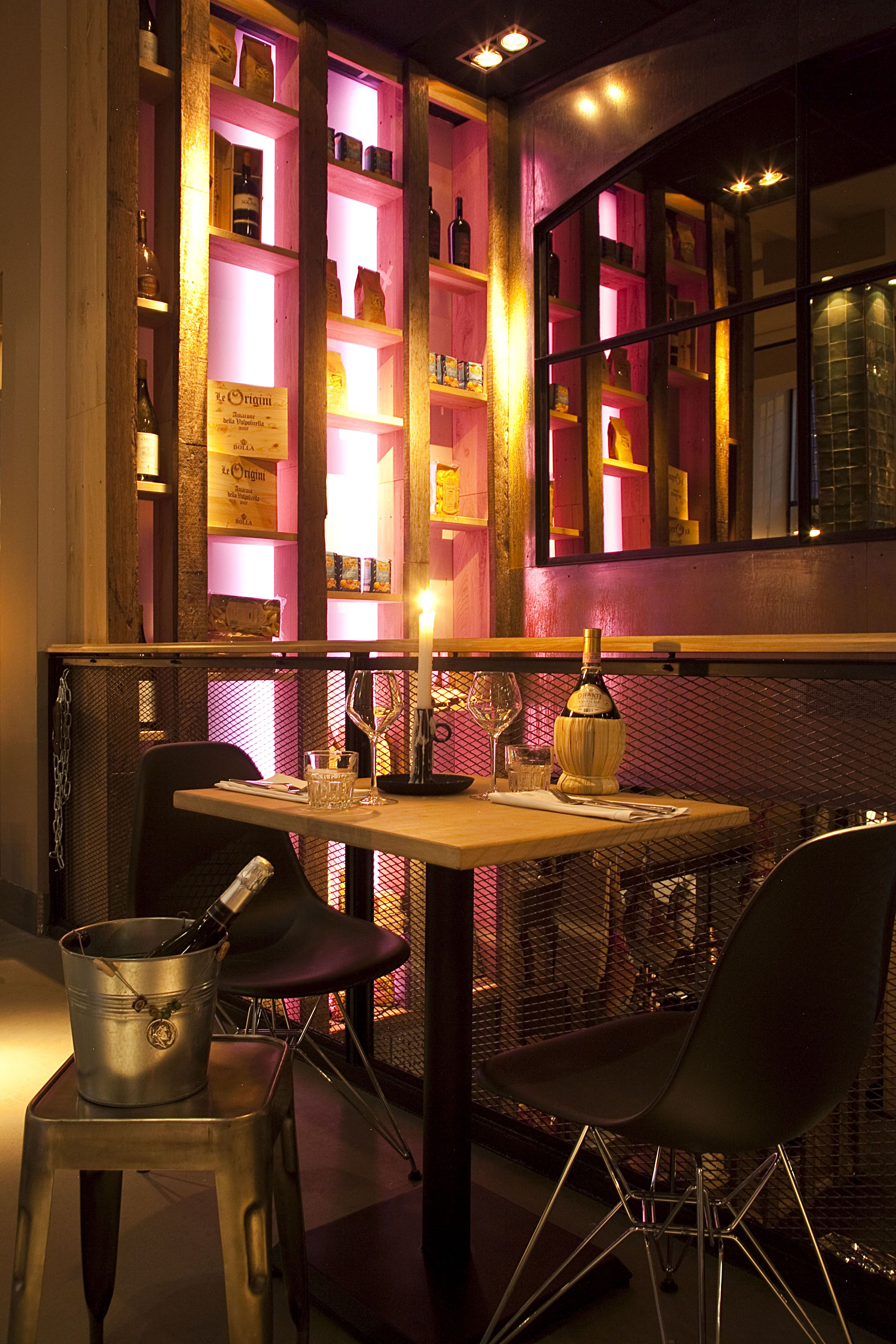 Interieur - Italian bar-bistro City Hall Leiden restaurant - Led ...