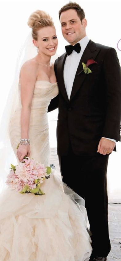 Celebrity Weddings Hilary Duff And Mike Comrie Celebrity Bride Celebrity Wedding Dresses Famous Wedding Dresses