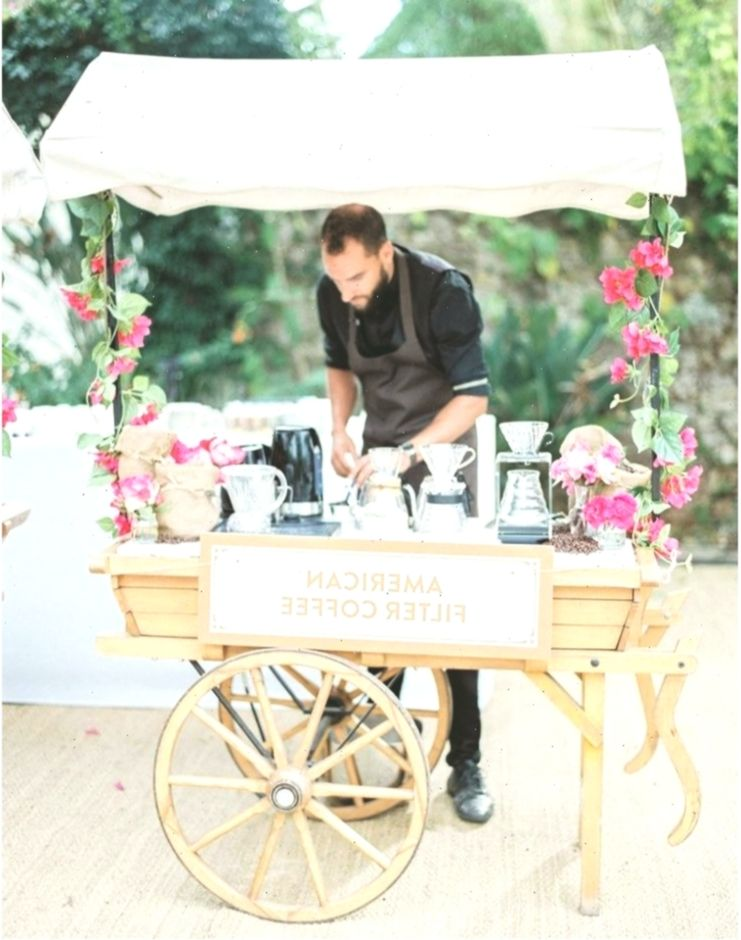 8 Unique Wedding Entertainment Ideas To Wow Your Guests – #entertainment #guests… #Unterhaltung #Entertainmentideas #filmmüzikkitaplar