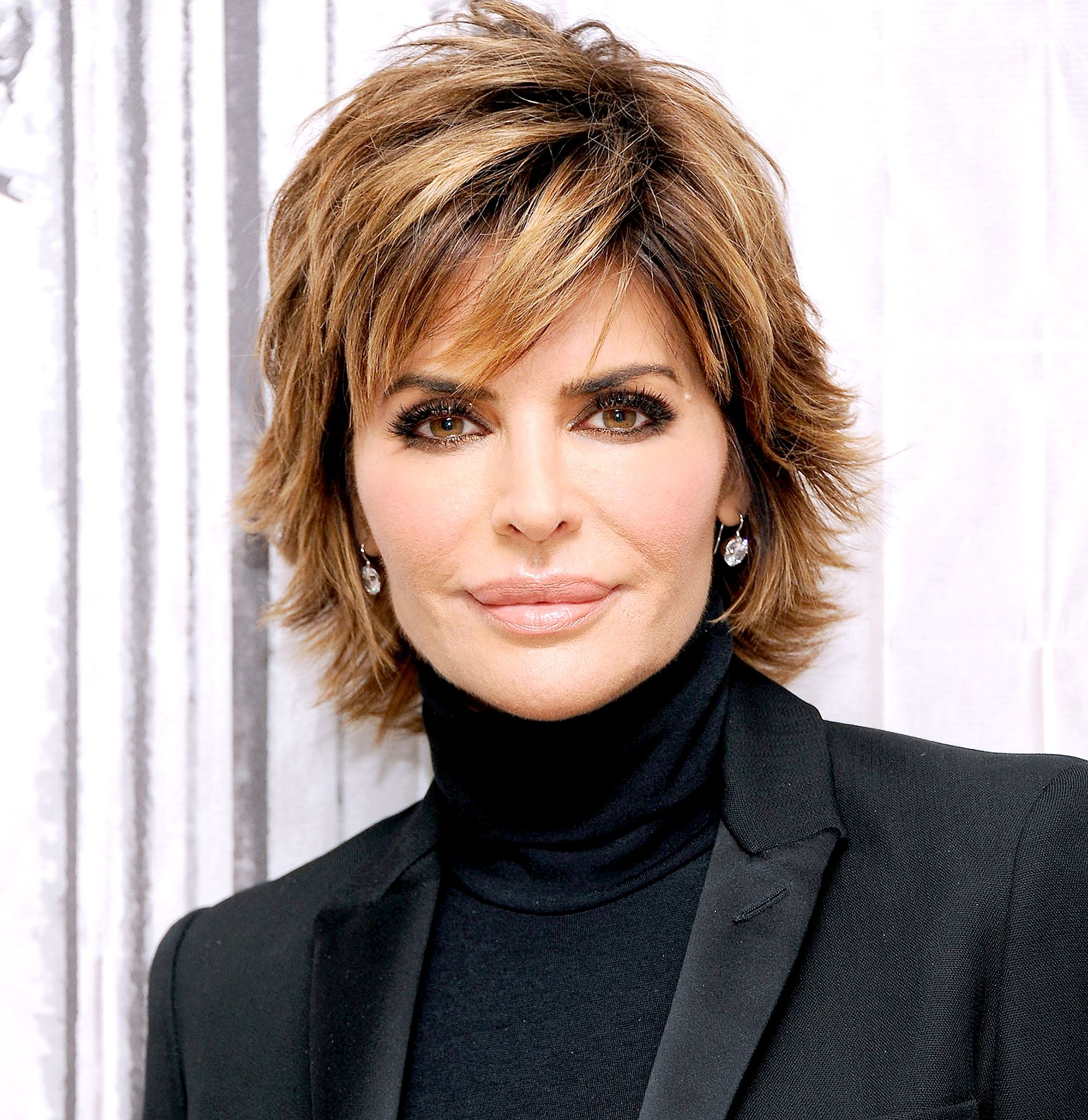 Lisa ann before plastic surgery short hairstyle 2013 - Lisa Rinna Changes Her Hairstyle For First Time In 20 Years