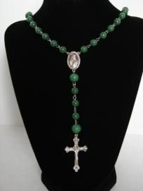 https://www.dolcevitaapparel.com/  Rosary Necklace-Forest Green
