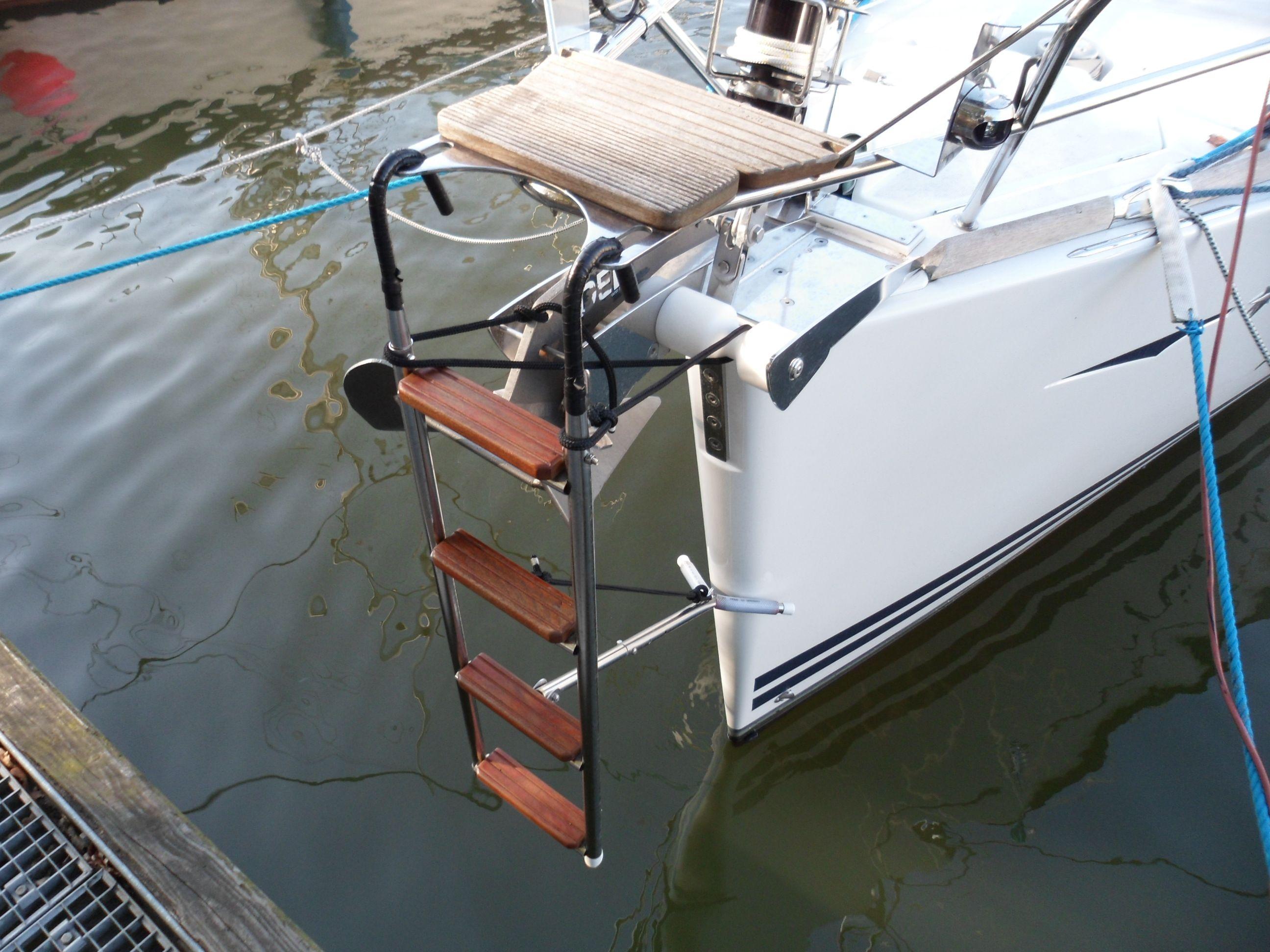 Gunwale Ladder For Sailboat Google Search Boat Stuff