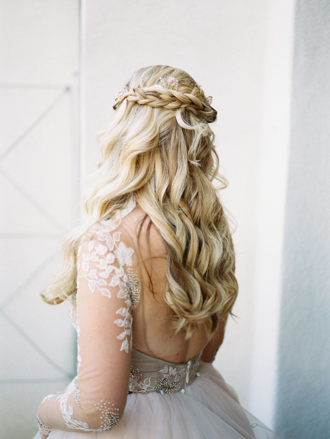 37 Pretty Wedding Hairstyles For Brides With Long Hair Bride