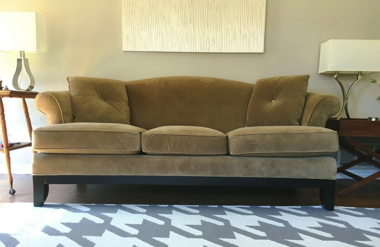 Phenomenal Sofa Couch In Excellent Condition With Quality Hand Tied Cjindustries Chair Design For Home Cjindustriesco
