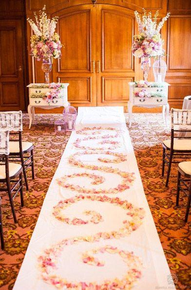 Wedding Aisle Runner With Flower Petals - Unique Wedding Ideas