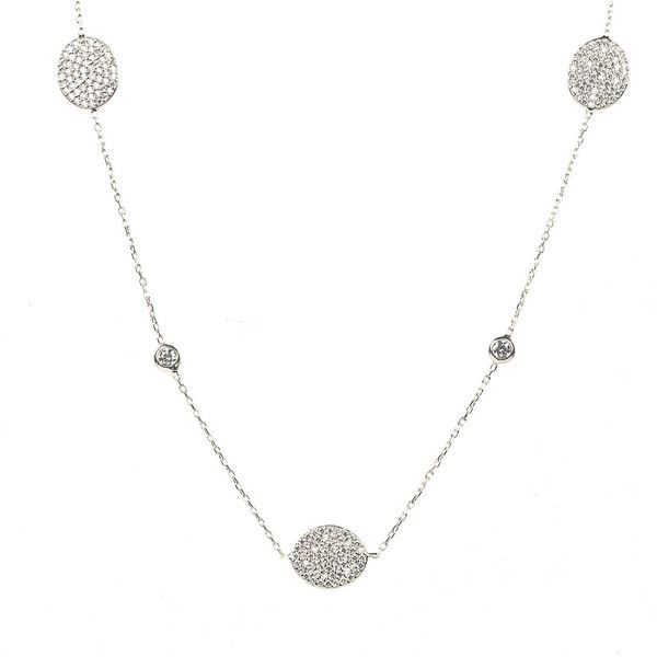 Necklace long oval disc silver (£320) ❤ liked on Polyvore featuring jewelry, necklaces, long jewelry, long white necklace, silver jewellery, disc necklace and silver jewelry
