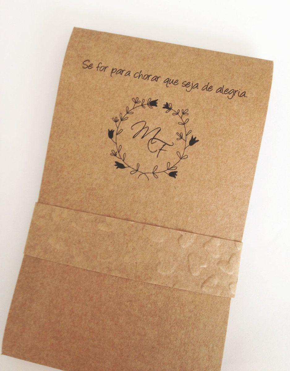 Envelope porta lenço de papel <br>Personalizado <br>Capa em papel kraft <br>Inclusos 2 lencinhos de papel de bolso <br>Fechamento com cinta de papel kraft textura coracao