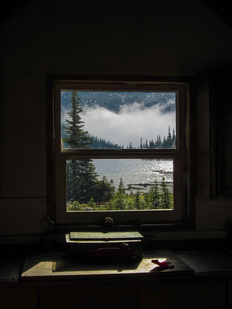 Room With A View For The Home Love Pinterest British  # Rangement Tele Et Sono