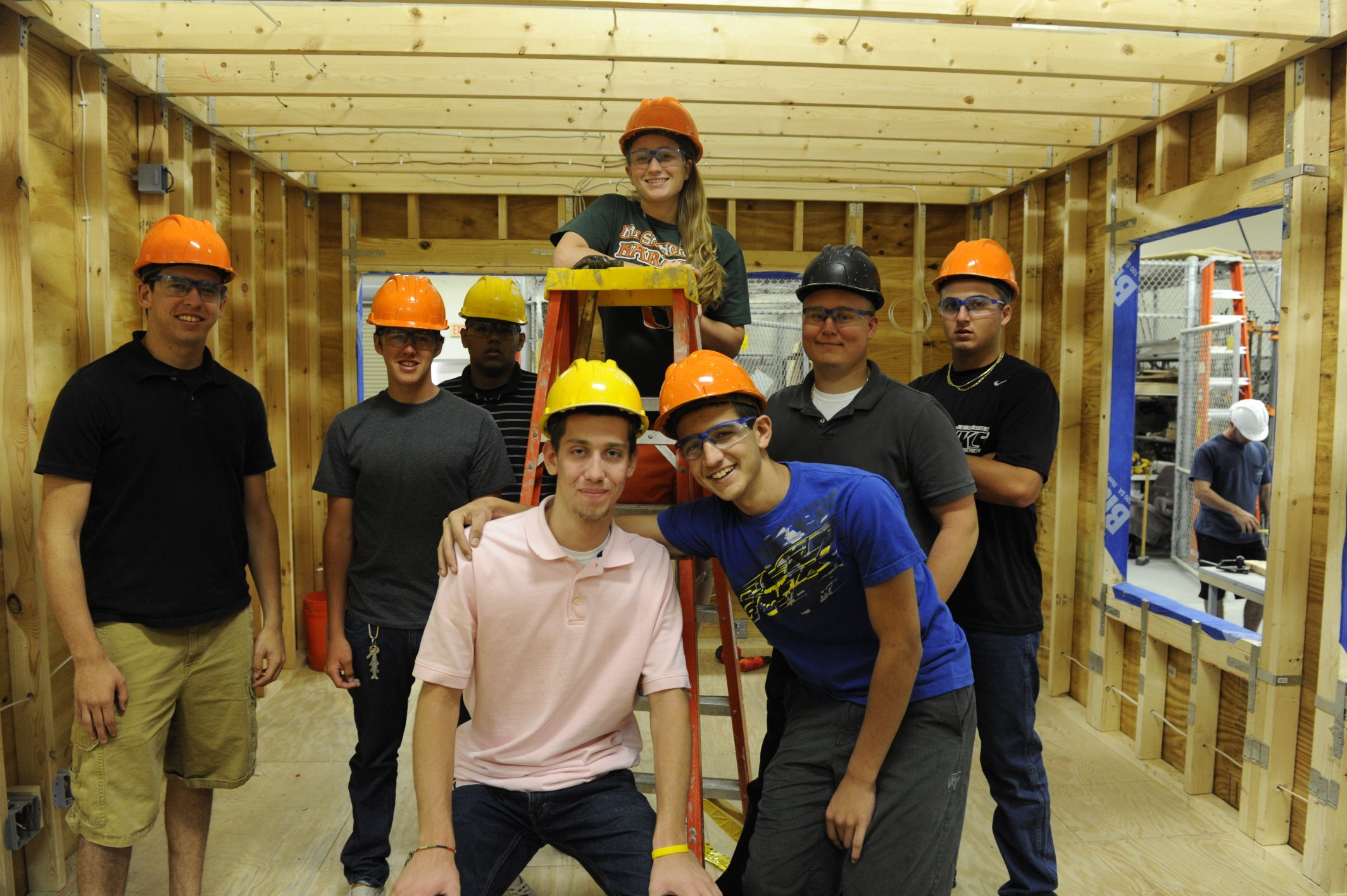 Seminole Ridge High School Students Working With Habitat