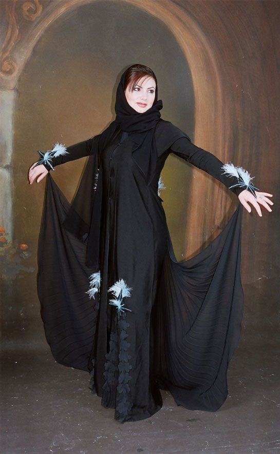 Collection Of Abaya Out Feature Designs Such As Abayas Loose And With A Variety Of Beautiful Colors And Graphics Sarongs An Fashion Spring Fashion Trends Abaya