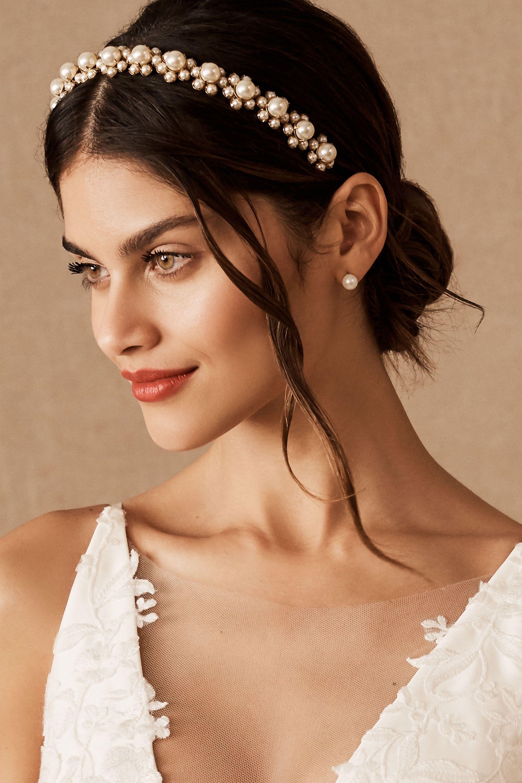 Pearl headpiece Bridal Headpiece Bridesmaids Gift Pearl Headband Wedding Headband Winter Wedding Hair Accessory Pearl Tiara