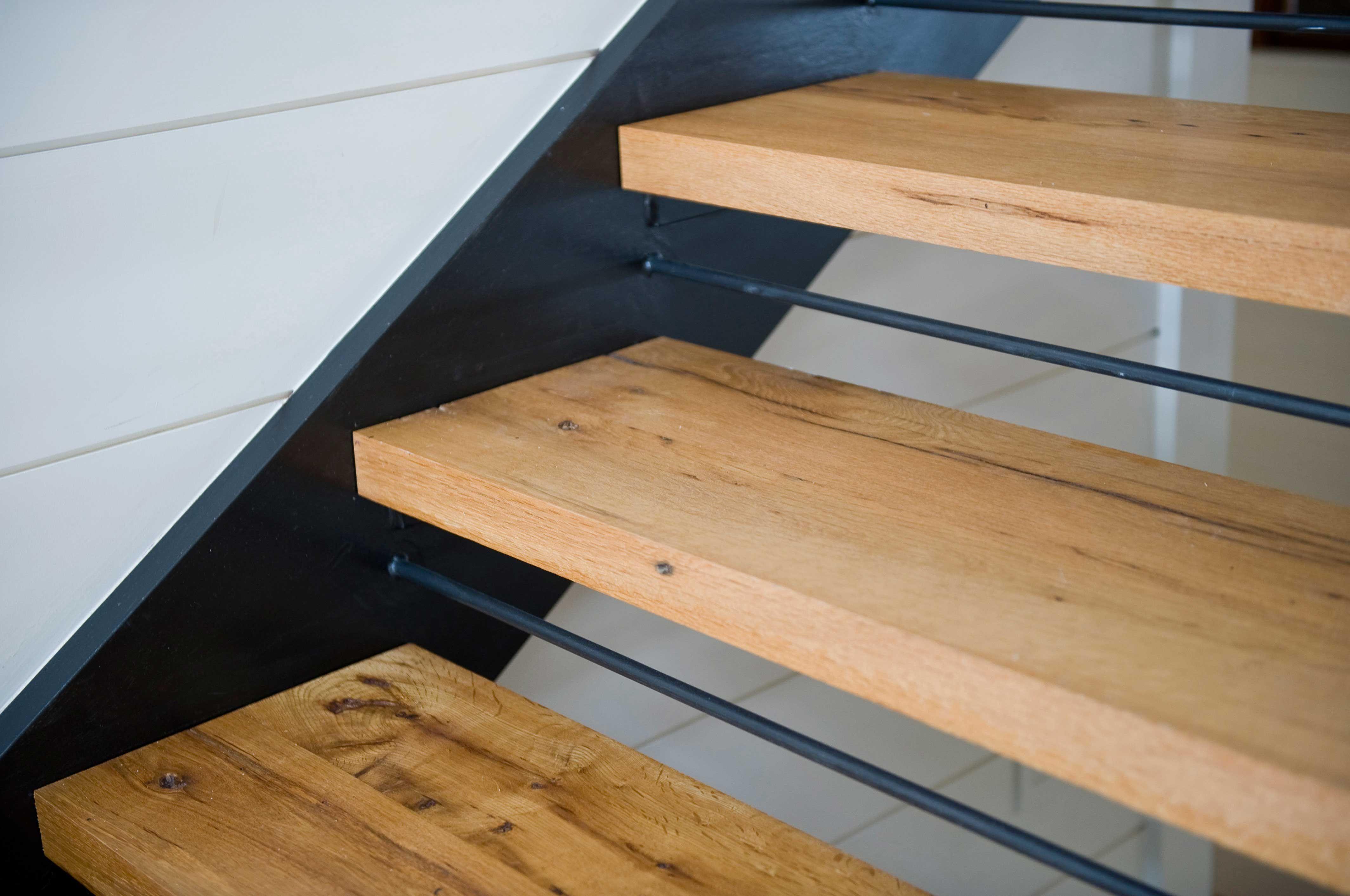 Best Longleaf Lumber Reclaimed White Oak Stair Treads Oak 400 x 300