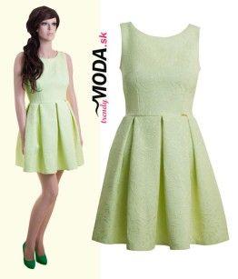 a71d005ac Trendové dámske krátke šaty v atraktívnom odtieni zelenej pastelovej  farby-trendymoda.sk