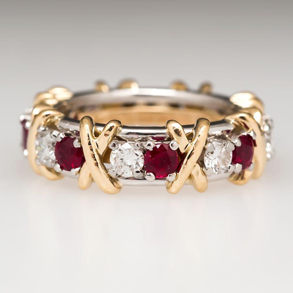 Tiffany & Co.: Anillo de rubíes de 16 diamantes con platino y oro de 18 quilates