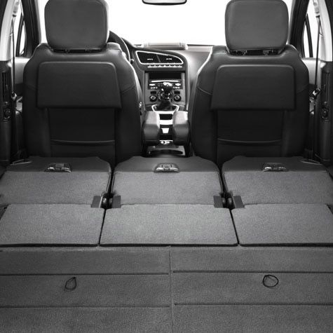 With up to 7 seats, the #5008 MPV gives you the freedom to