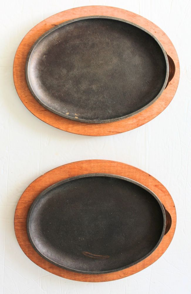 Set Of 2 Lodge Cast Iron Steak Plates W Wooden Trays Fajita Spob2 Lodge Cast Iron Steak Steak Plates Wooden Tray