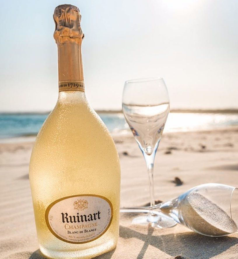 Champagne Moments On Instagram Ruinart Blanc De Blancs Tag Someone You Would Share This Moment With Photo By Crubar Wine Bottle Liquor Store Bottle