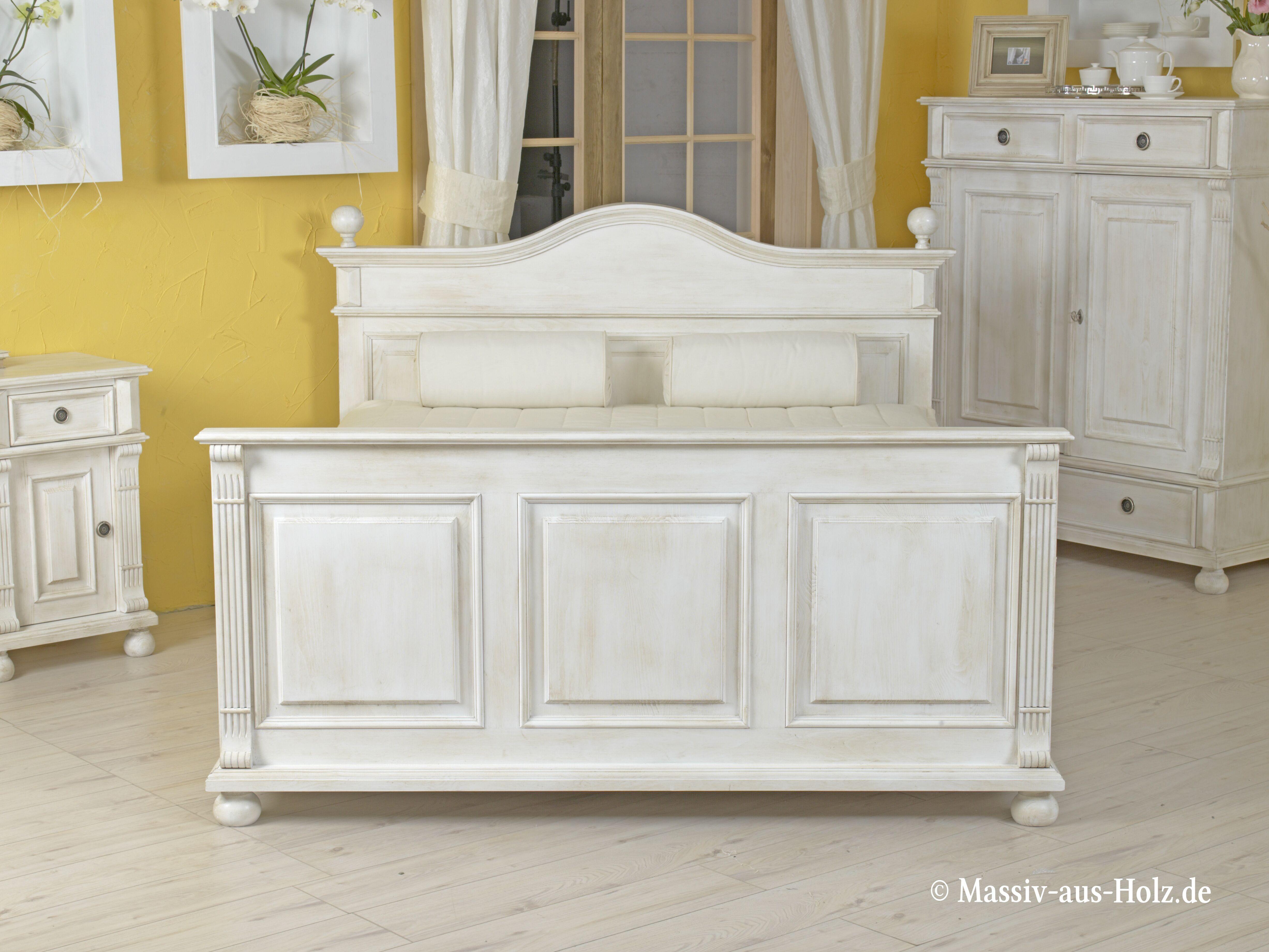 Wir lieben schöne Betten wie dieses hier; www.massiv-aus ...