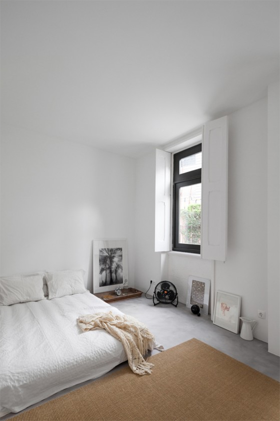 Best Outstanding Bedroom With Bed On Floor White Bedroom 400 x 300