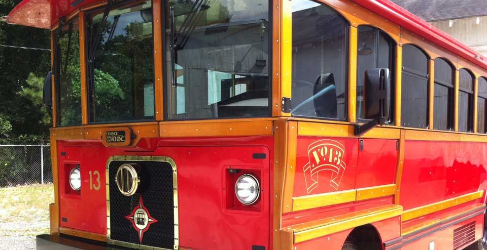 Richmond Historical Tour On Enclosed Trolley Bus Picks