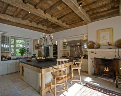 Superbe Italian Rustic Kitchen With Fireplace And Island With Butcher Block  Countertop And Wooden Ceiling And Chevron Flooring : Italian Rustic Kitchen  Ideas ...