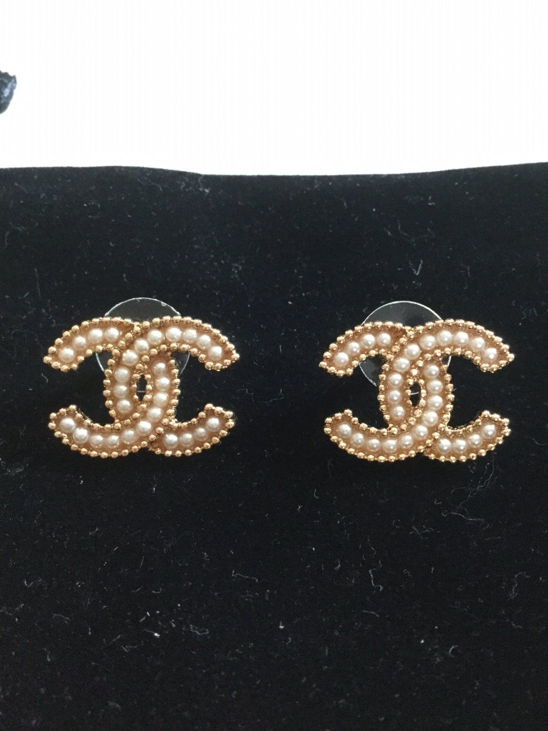 5244fb9cb CHANEL+Seed+Pearl+CC+Stud+Earrings+Gold+Metal+Medium+Size+Hallmark+NIB!