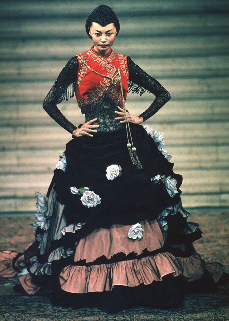Irina Pantaeva, Givenchy by Alexander McQueen F/W 1997 Haute Couture