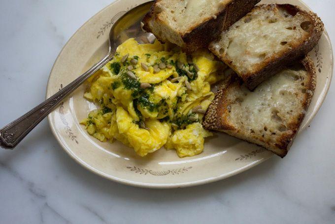 Super Eggy Scrambled Eggs 3 Whole 2 Egg Yolks Really Creamy