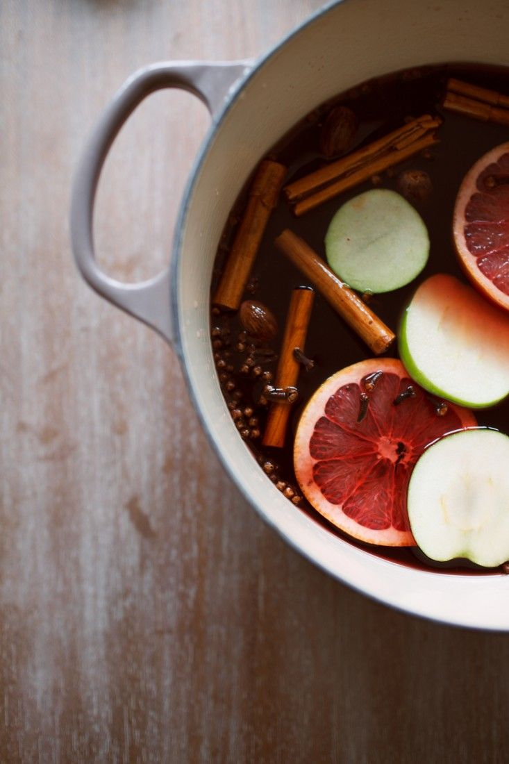 mulled apple cider with a secret ingredient | gardenista