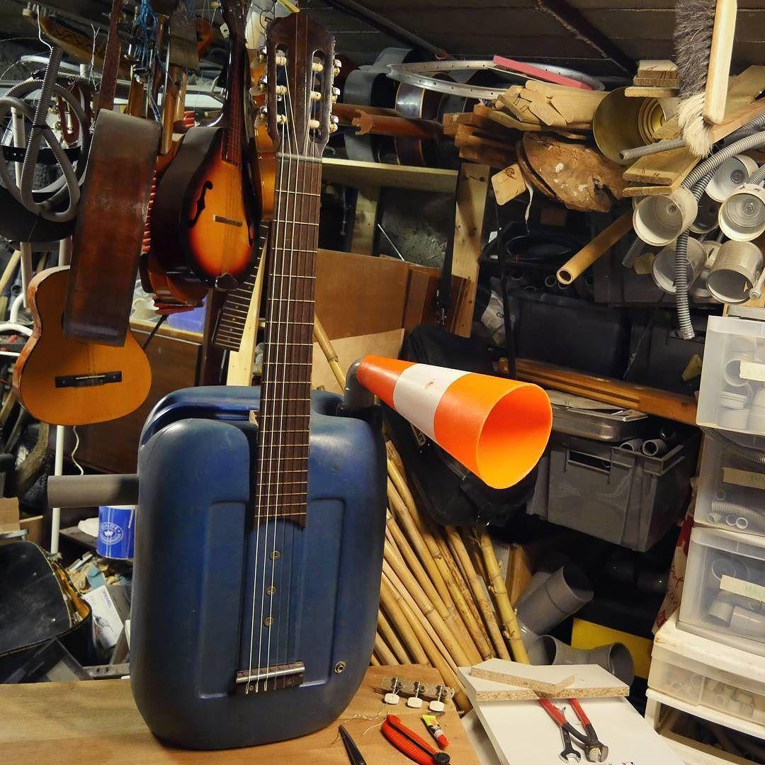 Restoration of one of my oldest instrument an electroacoustic plastic guitar-didgeridoo! Restauration d'un de mes plus ancien instrument guitare-didgeridoo electroacoustique! #homemadeinstruments #diyguitar #rareandstrangeinstruments