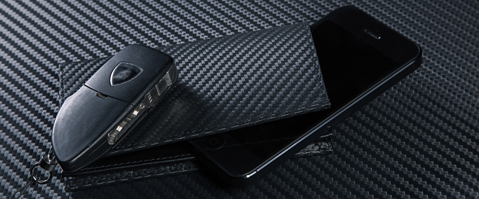 LUCA carbon style iPhone 5 wallet