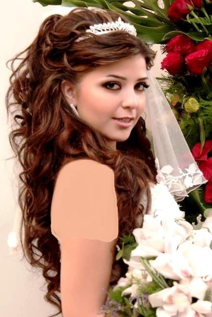 Sweet 16 Hairstyles With Tiara Fashion Dresses