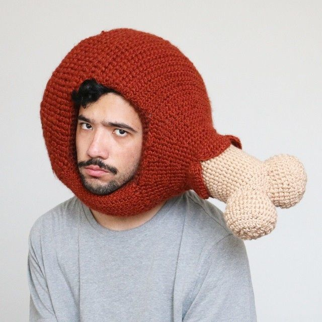 Hilarious Crocheted Food Hats by Phil Ferguson | Mütze, Häkeltiere ...