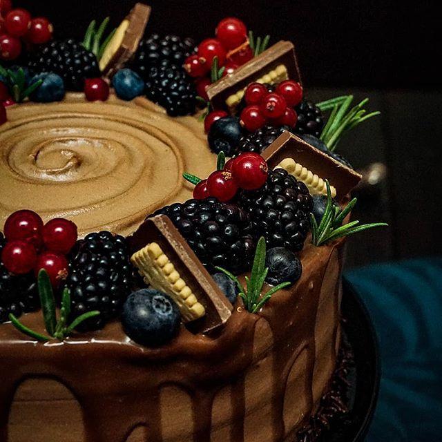 Nutella Sckoko-Torte Ich freu mich so.@omaskuchentipps hat sie schon nachgebacken, und sie ist großartig geworden❤ Schaut mal bei ihr vorbei😉